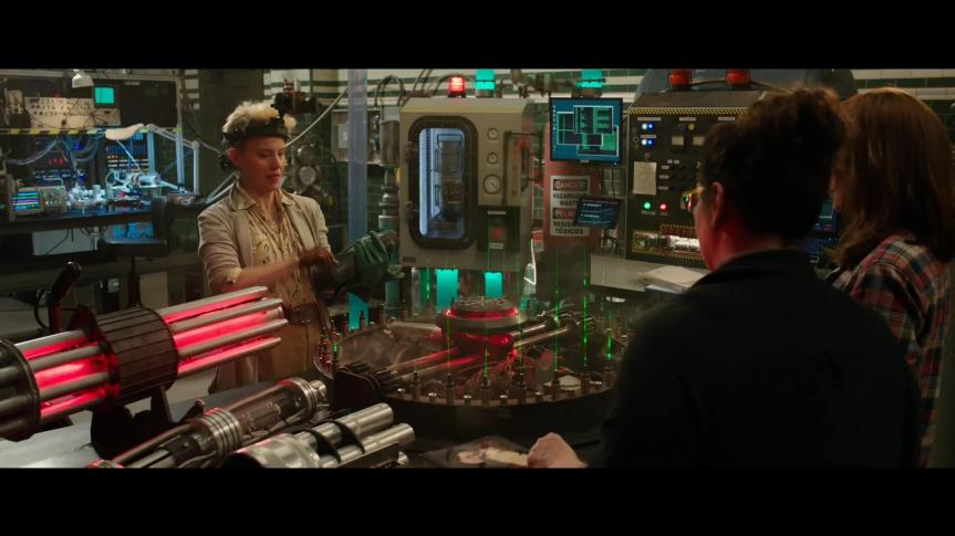 GHOSTBUSTERS - Official Trailer HD - YouTube.mp4_snapshot_01.01_[2016.03.03_19.43.20]