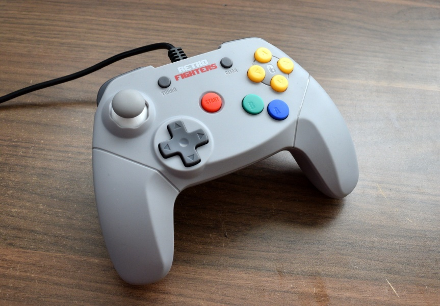 Review of the Month: Retro Fighters\' Brawler 64 controller – Aaltomies